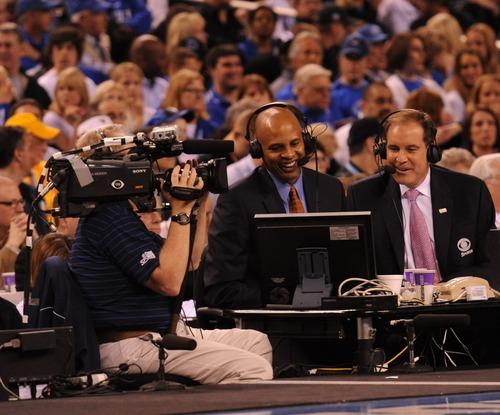 Clark Kellogg (center) and Jim Nantz work the semifinals of the 2010 NCAA basketball tournament. Courtesy photo