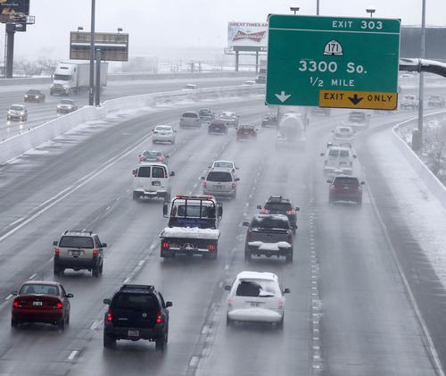 Al Hartmann  |  The Salt Lake Tribune Nortbound traffic into downtown Salt Lake City was moving well Thursday morning December 27 despite last night's snow.