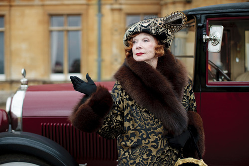 "Martha Levinson (Shirley MacLaine) makes a big entrance on ""Downton Abbey."" Credit: Courtesy of Carnival Film & Television Limited 2012 for MASTERPIECE"