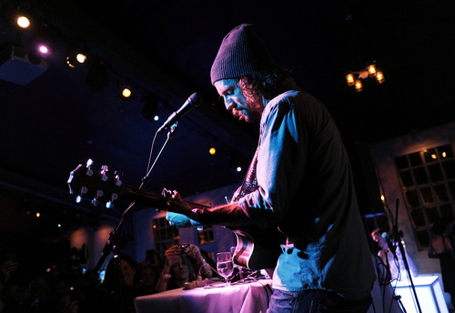 """Singer songwriter Jason Mraz performs at the """"Liberal Arts"""" premiere party hosted by Chase Sapphire at the 2012 Sundance Film Festival on Sunday, Jan. 22, 2012 in Park City, Utah. (Photo: Evan Agostini for Chase Sapphire)"""
