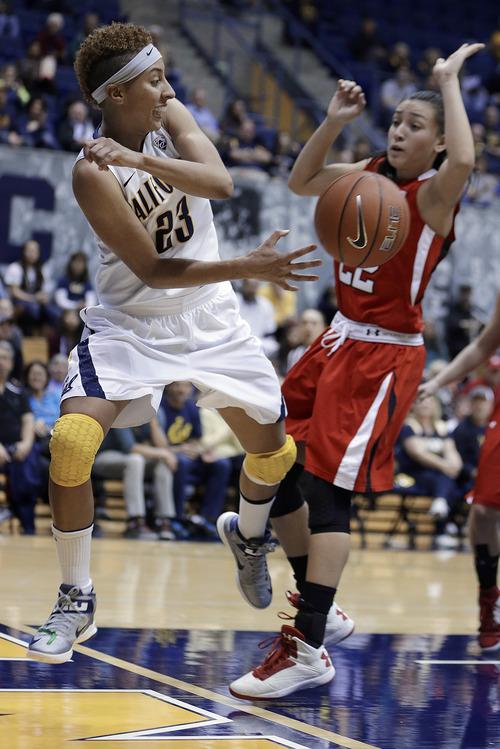 California's Layshia Clarendon, left, passes away from Utah's Danielle Rodriguez in the second half of an NCAA college basketball game Sunday, Jan. 27, 2013, in Berkeley, Calif. (AP Photo/Ben Margot)