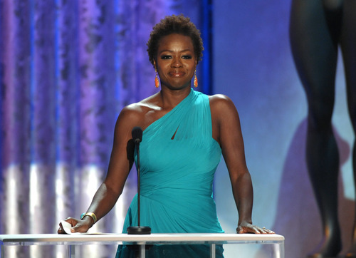 Viola Davis presents the award for outstanding male actor in a leading role at the 19th Annual Screen Actors Guild Awards at the Shrine Auditorium in Los Angeles on Sunday Jan. 27, 2013. (Photo by John Shearer/Invision/AP)