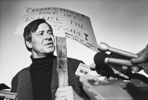 Tribune file photo by Lynn R. Johnson  Ramon Swapp, father of Addam and Jonathan Swapp, speaks with reporters at the staging area in Marion, Utah, during the January 1988 standoff.