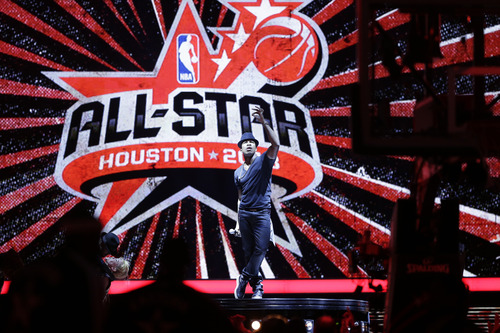 NE-YO performs before the NBA All-Star basketball game Sunday, Feb. 17, 2013, in Houston. (AP Photo/Eric Gay)