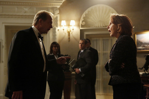 White House Chief of Staff Cyrus Beene (Jeff Perry) and Vice President Sally Langston (Kate Burton).