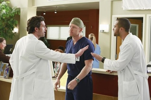 "GREY'S ANATOMY - ""Transplant Wasteland"" - The discord and chaos created by the hospital's new management team causes one physician to question his future at Seattle Grace. Meanwhile, the doctors and the interns must juggle several transplant surgeries at once, each coming with its own set of obstacles, on ""Grey's Anatomy,"" THURSDAY, MARCH 14 (9:00-10:02 p.m., ET) on the ABC Television Network. (ABC/Ron Tom) PATRICK DEMPSEY, KEVIN MCKIDD, JESSE WILLIAMS"