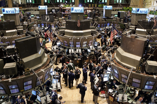 (AP Photo/David Karp, File) The Dow's win streak matched a 10-day run that ended on Nov. 15, 1996. To find a longer uninterrupted series of gains, you would have to go back to Jan. 3, 1992, when the Dow rose for 11 consecutive days. The index's longest winning streak was 14 days, ending June 14, 1897.