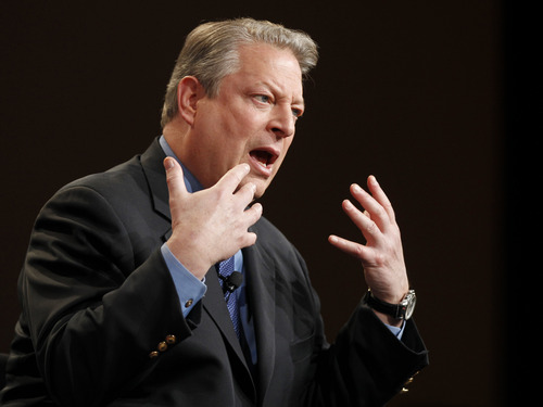 It's not what he's known for, but former U.S. vice president Al Gore played basketball at Harvard. (AP Photo/Danny Moloshok)