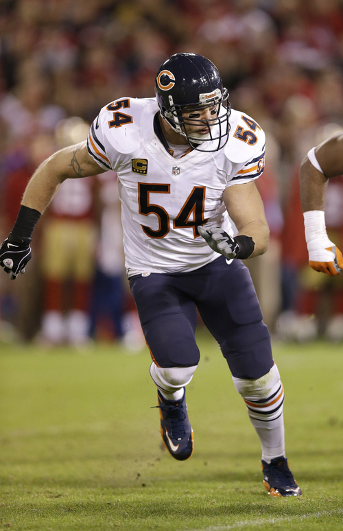 Chicago Bears middle linebacker Brian Urlacher blew up plenty of running backs and wide receivers when he played at the University of New Mexico. (AP Photo/Marcio Jose Sanchez)