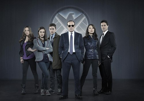 "MARVEL'S AGENTS OF S.H.I.E.L.D. - ""Marvel's Agents of S.H.I.E.L.D.,"" Marvel's first television series, is from executive producers Joss Whedon (""Marvel's The Avengers,"" ""Buffy the Vampire Slayer""), Jed Whedon & Maurissa Tancharoen, who co-wrote the pilot (""Dollhouse,"" ""Dr.Horrible's Sing-Along Blog""). Jeffrey Bell (""Angel,"" ""Alias"") and Jeph Loeb (""Smallville,"" ""Lost,"" ""Heroes"") also serve as executive producers. ""Marvel's Agents of S.H.I.E.L.D."" is produced by ABC Studios and Marvel Television. (ABC/Bob D'Amico) CHLOE BENNET, ELIZABETH HENSTRIDGE, IAIN DE CAESTECKER, CLARK GREGG, MING-NA WEN, BRETT DALTON"