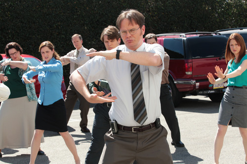 """This undated publicity photo released by NBC shows, from left, Phyllis Smith as Phyllis Vance, Jenna Fischer as Pam Beesly Halpert, Jake Lacy as Pete, Rainn Wilson as Dwight Schrute and Ellie Kemper as Erin Hannon in the """"Finale"""" episode for """"The Office,"""" Season 9, on NBC. (AP Photo/NBC, Chris Haston)"""