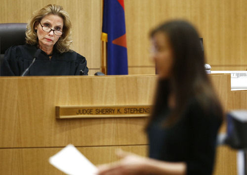 Judge Sherry Stephens listens to Jodi Arias address the jury on Tuesday, May 21, 2013 during the penalty phase of her murder trial at Maricopa County Superior Court in Phoenix, AZ.  Arias was convicted of first-degree murder in the stabbing and shooting to death of Travis Alexander in his suburban Phoenix home in June 2008. (AP Photo/The Arizona Republic, Rob Schumacher, Pool)