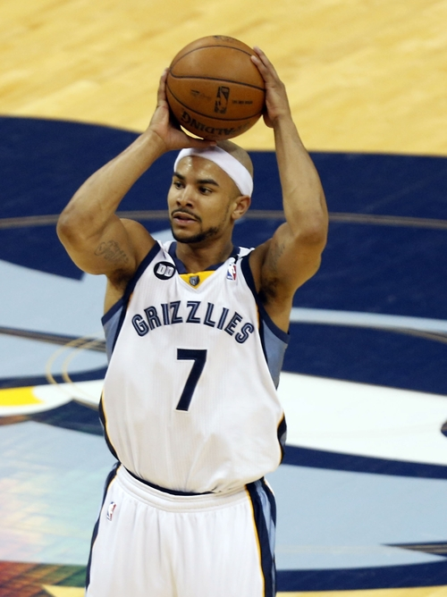 Memphis Grizzlies point guard Jerryd Bayless (7) aims during the first half of Game 3 in their NBA basketball Western Conference finals playoff series San Antonio Spurs, Saturday, May 25, 2013 in Memphis. (AP Photo/Rogelio Solis