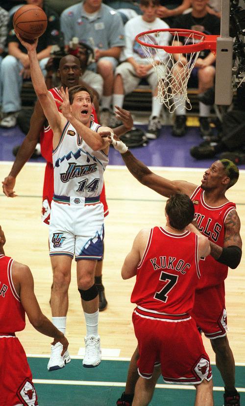 Jeff Hornacek shoots at Jazz vs. Bulls, game 6 of the NBA Finals, 1998. Bulls won photo by Trent Nelson