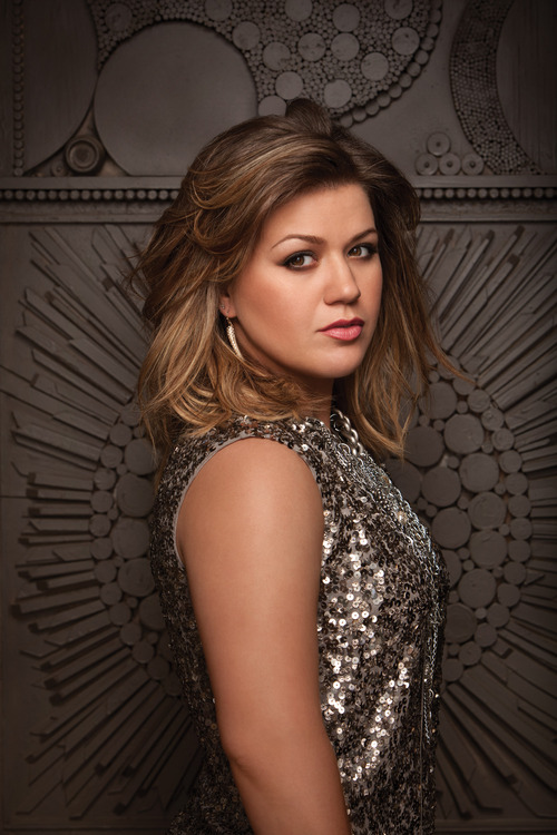 Stadium of Fire 2013 performances include rock and pop star Kelly Clarkson.