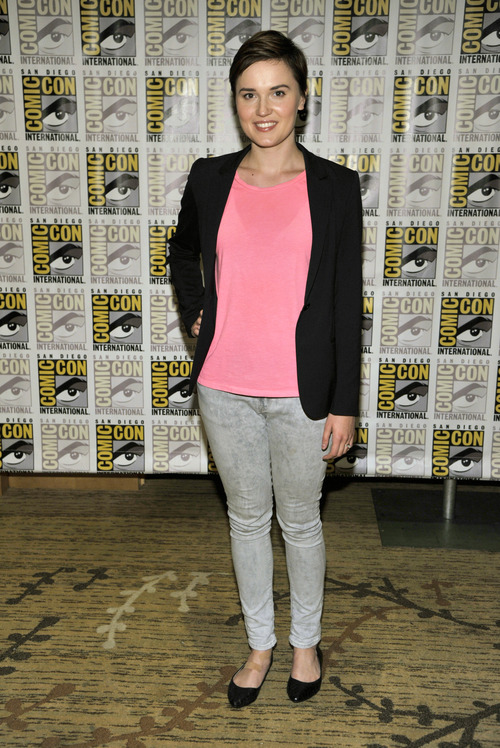 """Author Veronica Roth attends the """"Divergent"""" press line on Day 2 of Comic-Con International on Thursday, July 18, 2013 in San Diego, Calif. (Photo by Chris Pizzello/Invision/AP)"""