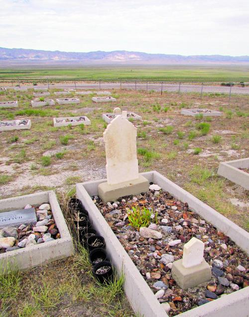 Grave marker at historic Iosepa cemetery. (Tom Wharton photo)