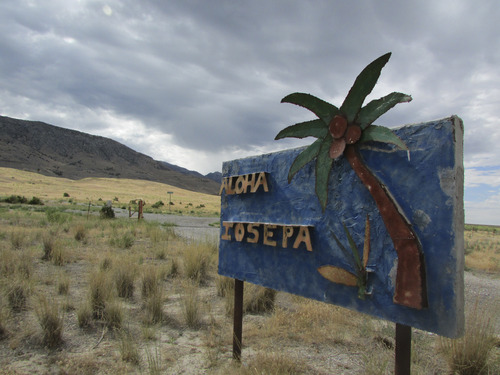 Welcome sign to Iosepa in Skull Valley. (Tom Wharton photo)