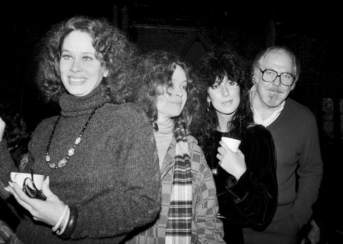 """FILE - In this Dec. 29, 1981 file photo, director Robert Altman, right, poses with actresses, from left, Karen Black, Sandy Dennis and Cher in New York City. The """"Easy Rider"""" and """"Five Easy Pieces"""" star Black,74, has died.  Black's husband, Stephen Eckelberry, says the actress died Wednesday, Aug. 7, 2013, after battling cancer. (AP Photo/Marty Lederhandler, File)"""