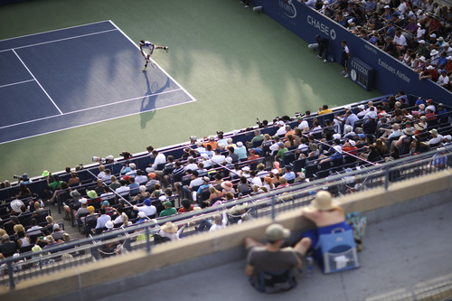 Leonardo Mayer of Argentina serves against Andy Murray of Great Britain during the second round of the 2013 U.S. Open tennis tournament, Friday, Aug. 30, 2013, in New York. (AP Photo/David Goldman)