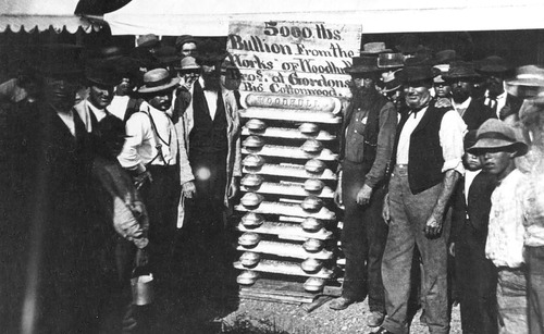 5000 lbs. of gold on display at Wells Fargo in Salt Lake around 1900. The gold was from Big Cottonwood Canyon.