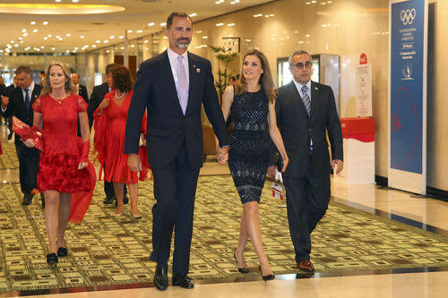 Spanish Crown Prince Felipe, Princess Letizia and Alejandro Blanco, president of the Madrid 2020 Bid Committee, right, followed by delegates, arrive for a meeting with International Olympic Committee (IOC) President Jacques Rogge at the Hilton Hotel in Buenos Aires, Argentina, Sept. 6, 2013. During the Sept. 4-10 IOC Executive Board meetings in Buenos Aires, members will elect the host city for the 2020 Summer Olympics Games, with candidates being Madrid, Istanbul and Tokyo, as well as choose a new IOC president and add a sport to the 2020 program. (AP Photo/Alexander Hassenstein, Pool)
