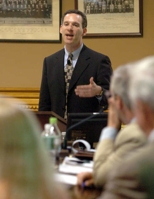 Steven Reich, shown here in 2004 during the investigation of Connecticut Gov. John Rowland, will lead the probe of embattled Utah Attorney General John Swallow. (AP Photo/Bob Child)