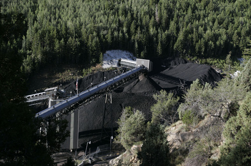 GenWal Mine, UT-- The Crandall Canyon Mine in Huntington Canyon. Six miners are trapped in the coal mine.  8/7/07 Jim Urquhart/Salt Lake Tribune