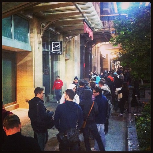 The line at the City Creek Apple Store just before 7am on Friday morning. Photo courtesy hugoooyu on instagram.