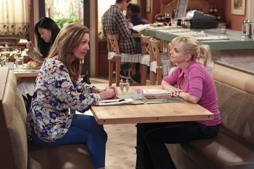 "| Courtesy Allison Janney and Anna Faris star in the new CBS sitcom ""Mom."""