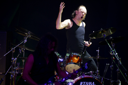 Lars Ulrich from Metallica performs at a private concert for SiriusXM listeners at the Apollo Theater on Saturday, Sept. 21, 2013 in New York. (Photo by Charles Sykes/Invision/AP)