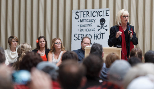 Trent Nelson  |  The Salt Lake Tribune Erin Brokovich speaks at a town hall gathering in North Salt Lake to discuss how to shut down a controversial medical-waste incinerator, Stericycle, in North Salt Lake, Saturday, September 28, 2013.
