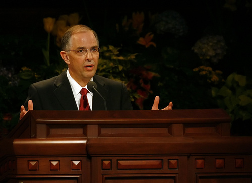 Salt Lake City, UT--4/1/07--9:47:53 AM-- Neil L. Andersen, Presidency of the Seventy, delivers his speech during the LDS semiannual general conference Sunday morning.  ********* LDS Sunday Conference   Chris Detrick/Salt Lake Tribune File #_1CD9365    `
