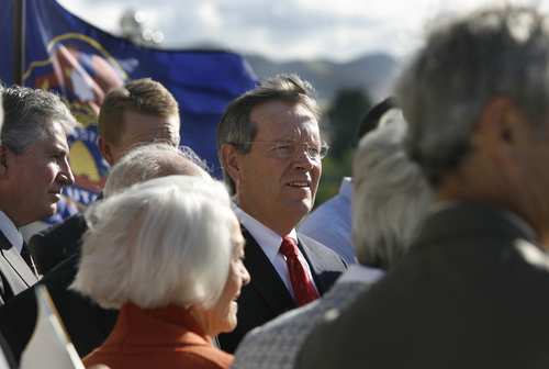 "Scott Sommerdorf  |  The Salt Lake Tribune Former Utah Governor Mike Leavitt was on hand to support the ""Count My Vote"" effort at a press conference held on the south steps of the State Capitol building in September."