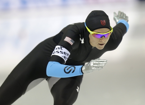 Brittany Bowe, of the United States, skates in the women's 1000-meter competition at the World Cup speedskating event Sunday, Nov. 17, 2013, in Kearns, Utah. Bowe came in first place. (AP Photo/Rick Bowmer)