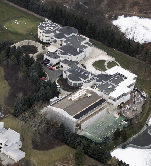 FILE - This Jan. 8, 2002 aerial file photo shows the home of former Chicago Bulls star Michael Jordan, in Highland Park, Ill. Jordan's 56,000-square foot home in suburban Chicago was up for auction Monday but failed to sell.  (AP Photo/Ted S. Warren, File)