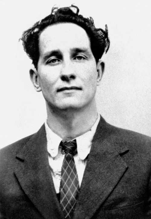 FILE - A July 8, 1963 file photo shows Ronnie Biggs. Ronnie Biggs, known for his role in the 1963 Great Train Robbery, died Wednesday, Dec. 18, 2013, his daughter-in-law said. He was 84. (AP Photo/PA, File) UNITED KINGDOM OUT NO SALES NO ARCHIVE
