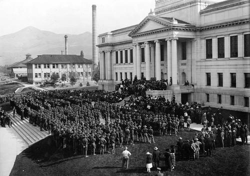 Photo Courtesy Utah State Historical Society  Students Army Training Corps; Reserve Officers' Training Corps; University of Utah, 1918.