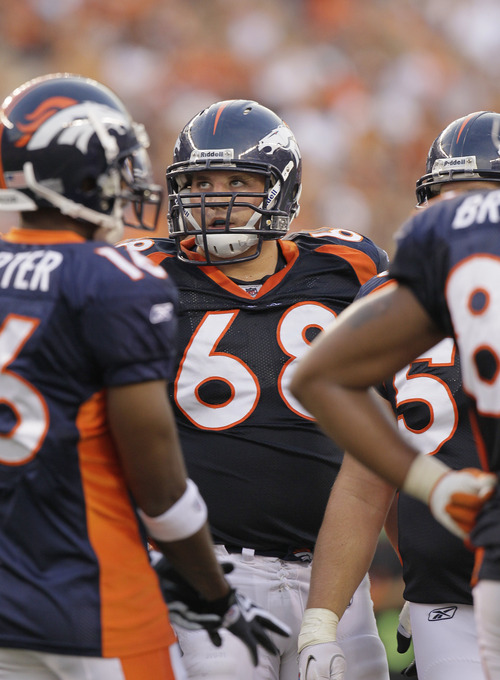 Denver Broncos offensive lineman Zane Beadles during the second half of an NFL pre season football game against the Cincinnati Bengals, Sunday, Aug. 15, 2010, in Cincinnati. (AP Photo/Ed Reinke)