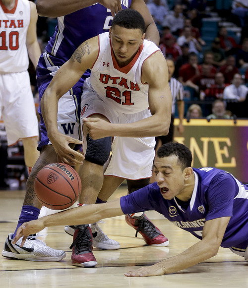 Utah's Jordan Loveridge (31) and Washington's Nigel Williams-Goss scramble for a loose ball in the second half of an NCAA Pac 12 conference tournament college basketball game, Wednesday, March 12, 2014, in Las Vegas. Utah won 67-61. (AP Photo/Julie Jacobson)