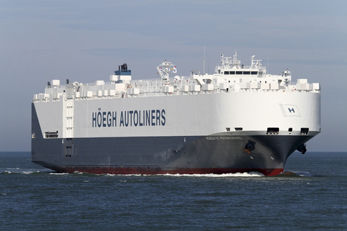 """In this undated handout picture made available by hoegh.com via NTB Scanpix on Thursday, March 20, 2014, of autoliner """"Hoegh St. Petersburg"""" which is expected to reach an area south west of Australia where possible debris of missing airliner MH370 has been spotted. The ship is expected to arrive in the area in the course of Thursday March 20, 2014. (AP Photo/hoegh.com/ NTB scanpix) NORWAY OUT"""