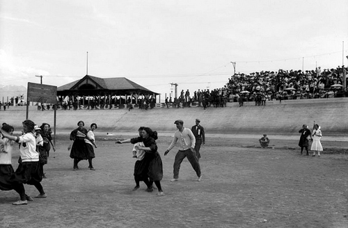 A group of girls playing baseball during a field day at Wandamere Park, in Salt Lake City, 1911.