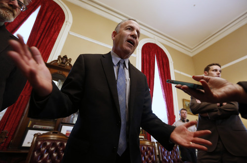 State Senate President Pro Tem Darrell Steinberg, D-Sacramento, talks to reporters after he called for Sen. Leland Yee, D-San Francisco, to resign his seat in the wake of his arrest on federal corruption and firearm charges, during a news conference in Sacramento, Calif.  Steinberg said lawmakers will immediately suspend Yee unless he steps down. The announcement comes hours after Yee was arrested and appeared in federal court.(AP Photo/Rich Pedroncelli)