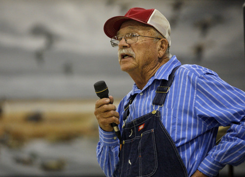 Rick Egan  |  The Salt Lake Tribune  Cecil Garland speaks about Utah's proposed deal with Nevada to split Snake Valley groundwater during a hearing at the fairgrounds in Delta, Utah, Monday, August 17, 2009.