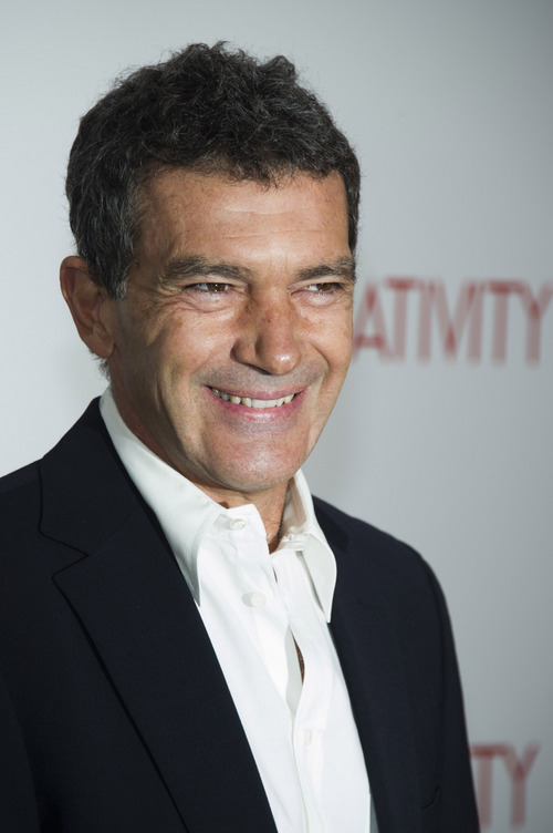 """Antonio Banderas attends the """"Black Nativity"""" premiere on Monday, Nov.18, 2013 in New York. (Photo by Charles Sykes/Invision/AP)"""