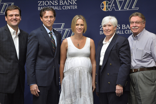 Scott Sommerdorf   |  The Salt Lake Tribune The Utah Jazz introduced Quin Snyder as their new head coach, Saturday, June 7, 2014. From keft to right: Utah Jazz GM Dennis Lindsey, Jazz head coach Quin Snyder, Synder's wife Amy Snyder, Jazz owner Gail Miller, and her new husband Mr. Kim R. Wilson.