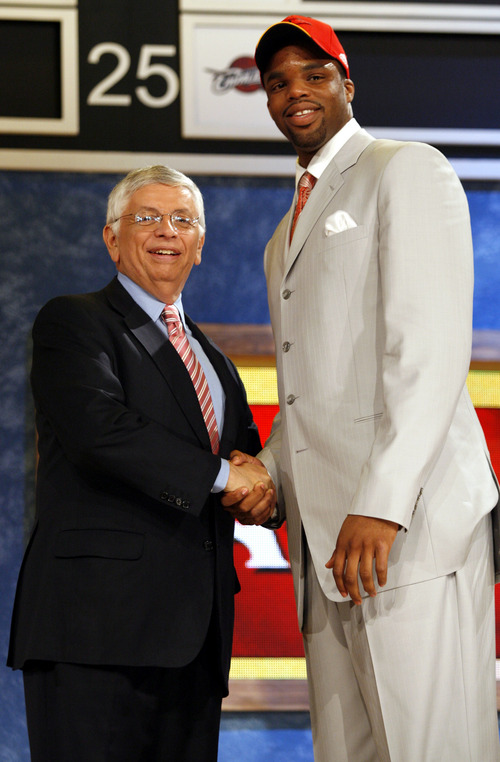 Shelden Williams, right, a forward from Duke poses for a photo with NBA Commissioner David Stern after he is chosen by the Atlanta Hawks as the fifth overall pick of the 2006 NBA Draft Wednesday, June 28, 2006 at Madison Square Garden in New York.   (AP Photo/Kathy Willens)