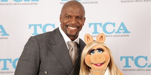 (Cindy Ronzoni |  TCA)  Terry Crews and Miss Piggy at the Television Critics Association Awards.