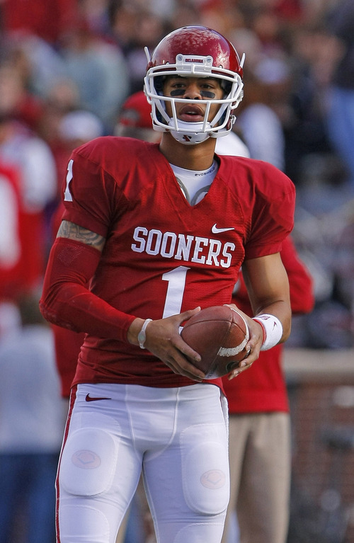 Oklahoma quarterback Kendal Thompson before the start of an NCAA college football game against Iowa State in Norman, Okla. on Saturday, Nov. 16, 2013.  (AP Photo/Alonzo Adams)