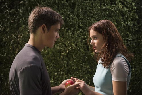 """This image released by The Weinstein Company shows Brenton Thwaites, left, and Odeya Rush in a scene from """"The Giver."""" (AP Photo/ The Weinstein Company, David Bloomer)"""